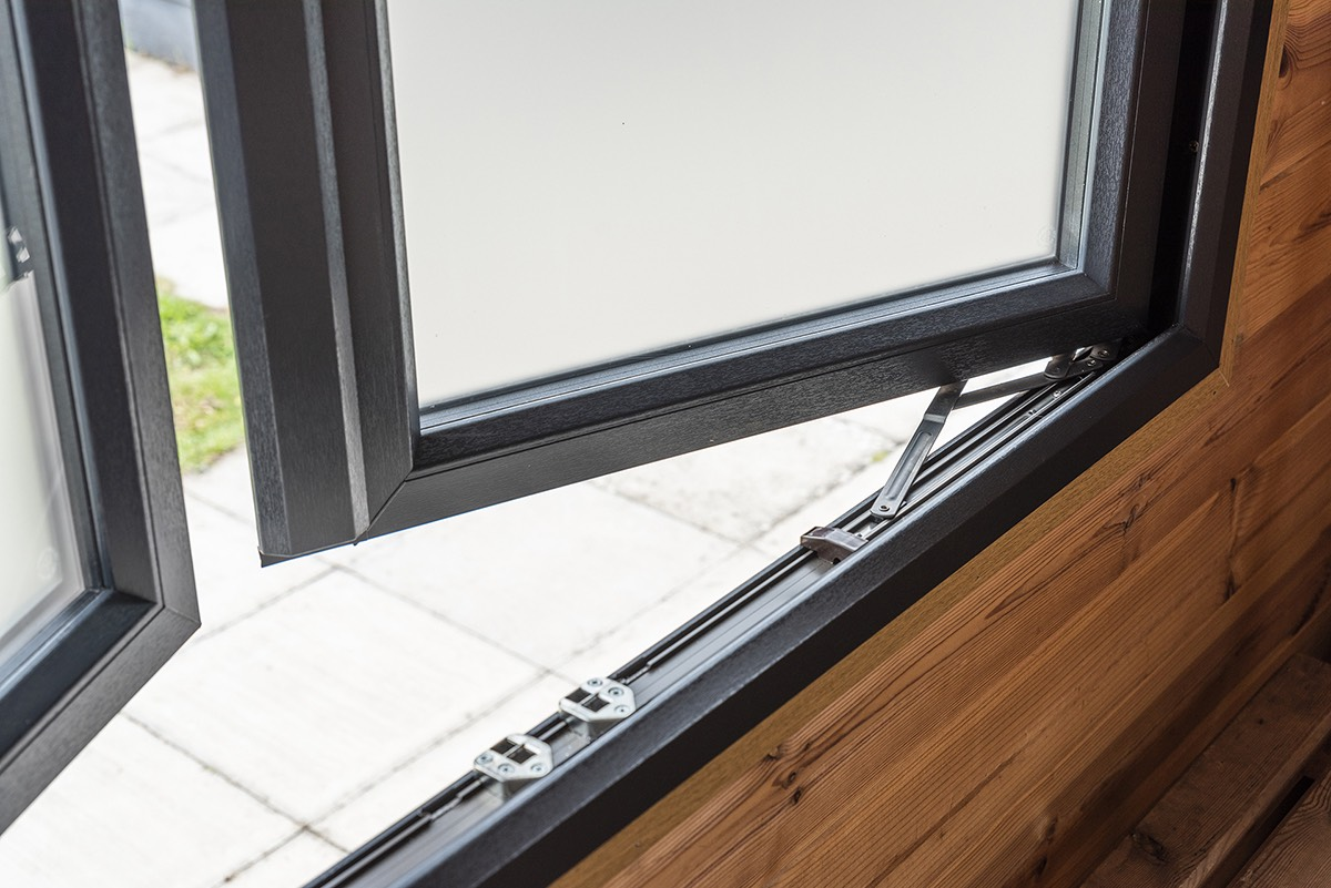 casement windows Mere
